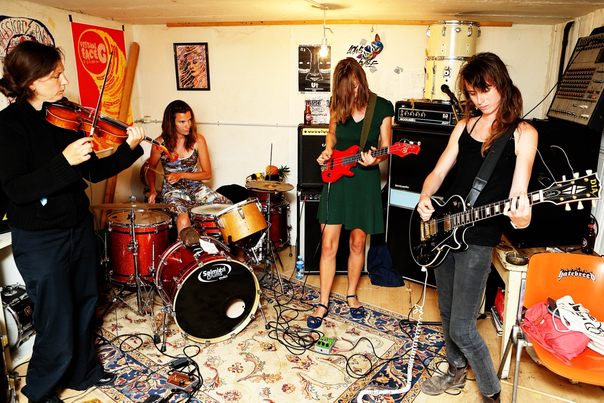 Ecoutes Au Vert / Genève / Aventures sonores au grand air! / EAV au Bateau: Soirée Spéciale Rock & Groove > UkanDanz (Ethiopie/F) + Massicot (Ge) en Concert + dj Lady Black Sally (Rock This Town) / 1777967487