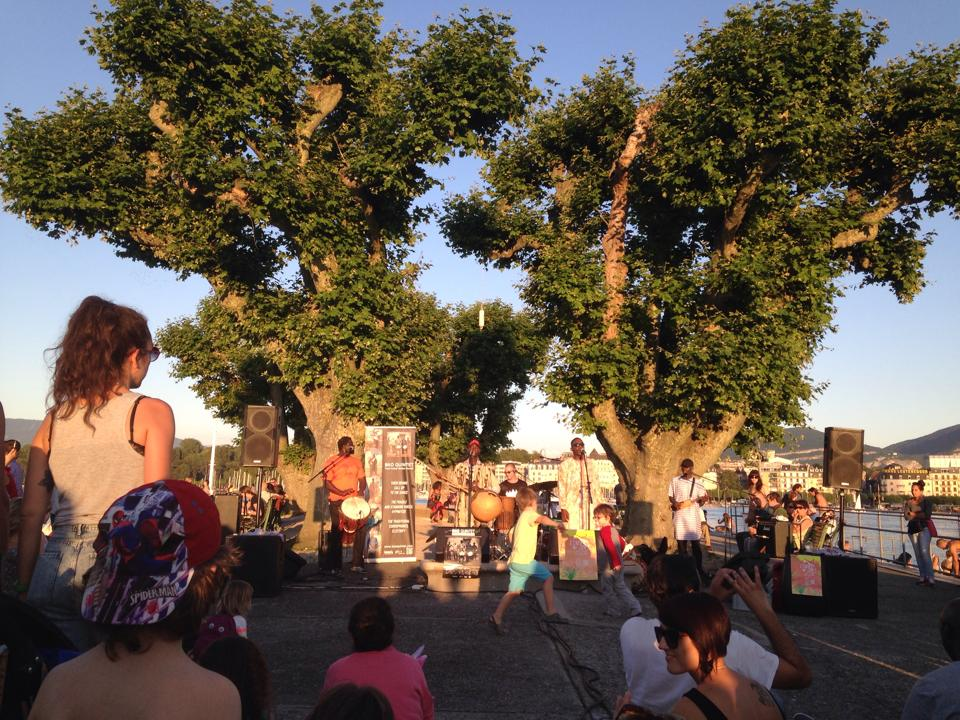 Ecoutes Au Vert / Genève / Aventures sonores au grand air! / BKO QUINTET (Bamako, Mali) LIVE à ECOUTES AU VERT aux BAINS DES PAQUIS 15-07-2014 / 147236090